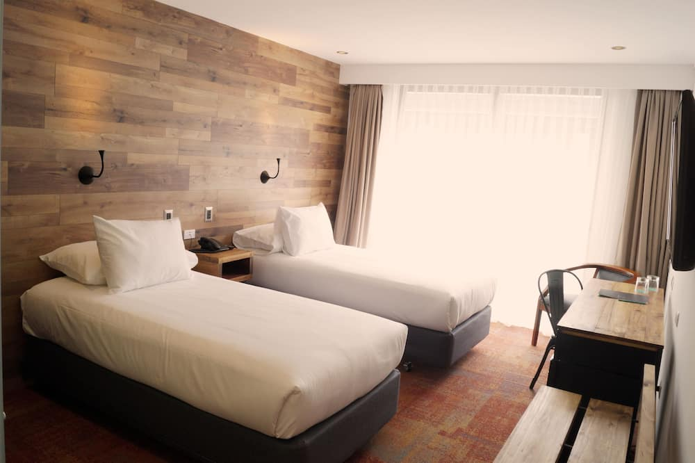 Standard Twin Room, 2 Twin Beds, Terrace - Bathroom