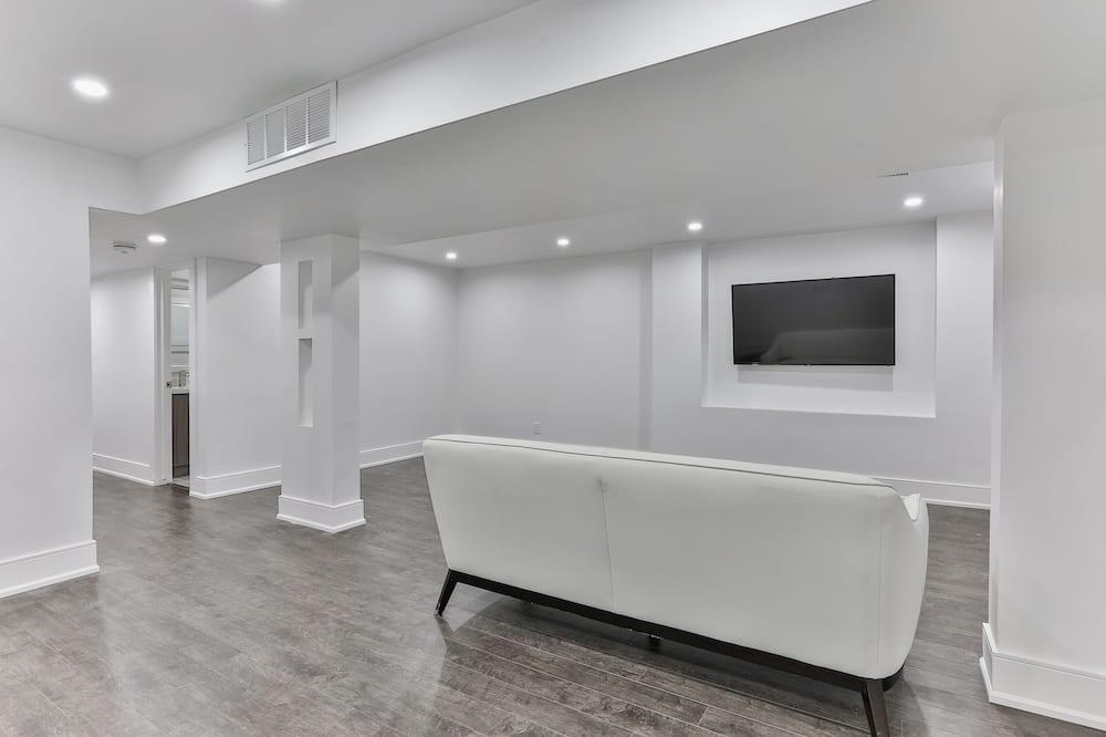Luxury House, 5 Bedrooms, Kitchen - Ruang Tamu