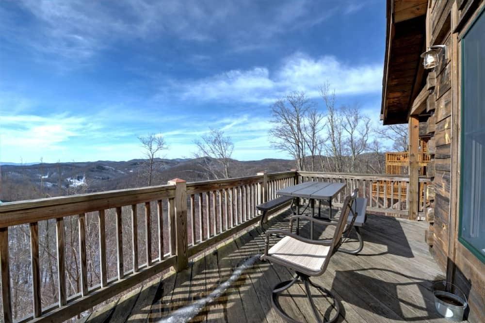 Cabin, 5 Bedrooms - Balcony
