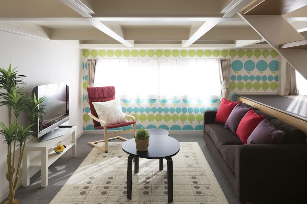 Premium Suite (For 7 Guests) - Living Area