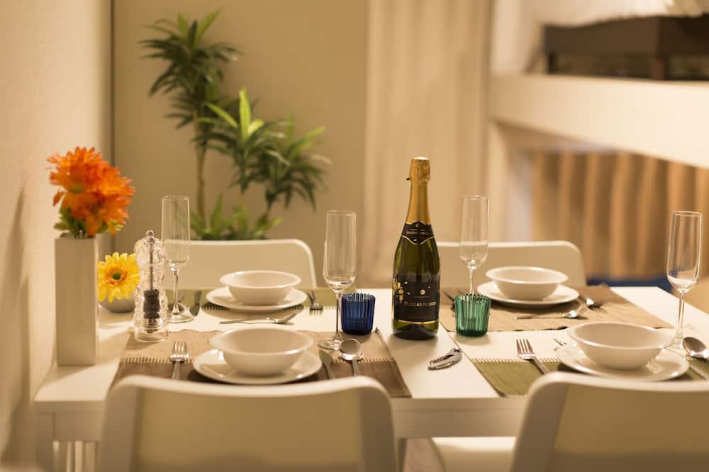 Duplex - In-Room Dining