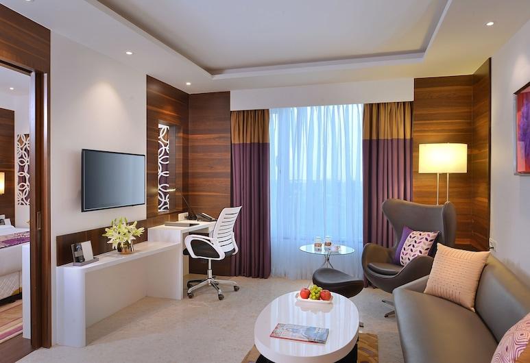 Fortune Inn Promenade- Member ITC Hotel Group, Vadodara, Deluxe Room, Living Area
