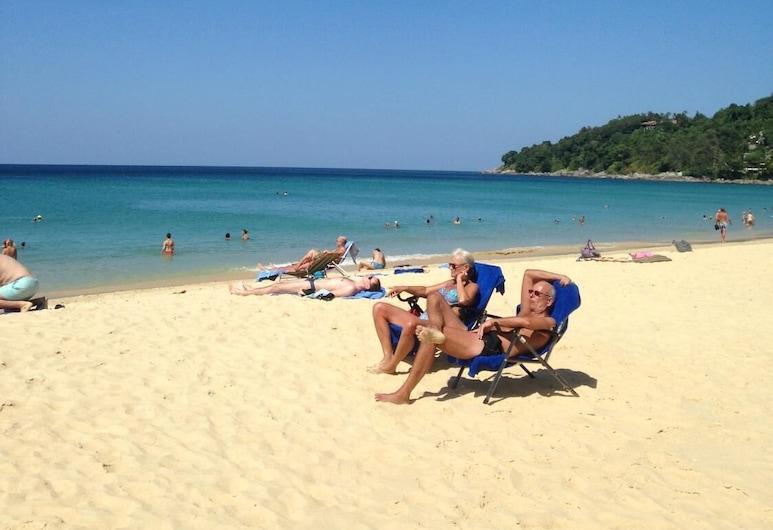 卡倫中國之家飯店, 卡隆, 海灘