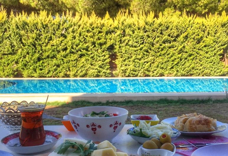 ليو ألاتشاتي, سيسمي, منطقة تناول وجبات الإفطار