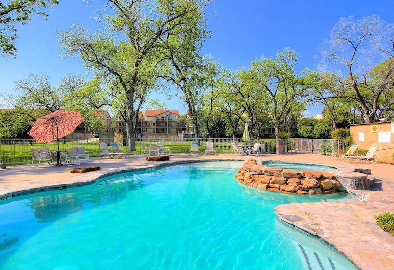 Chateau On The River Ww D301302 4 Bedroom Condo, New Braunfels, Piscina Exterior