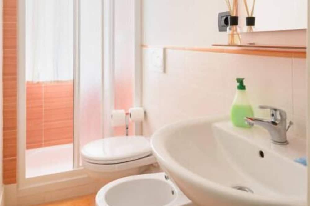 Double Room (Grano) - Bathroom