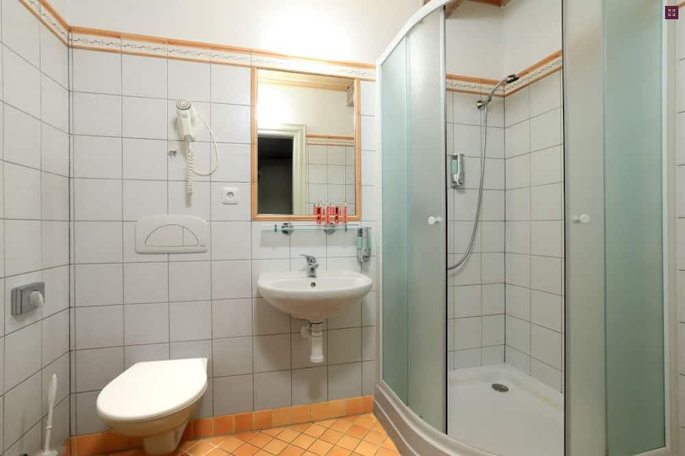Exclusive Tek Büyük Yataklı Oda, Avlu - Banyo