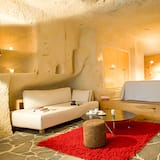 Deluxe Double Room (Cave) - Living Area