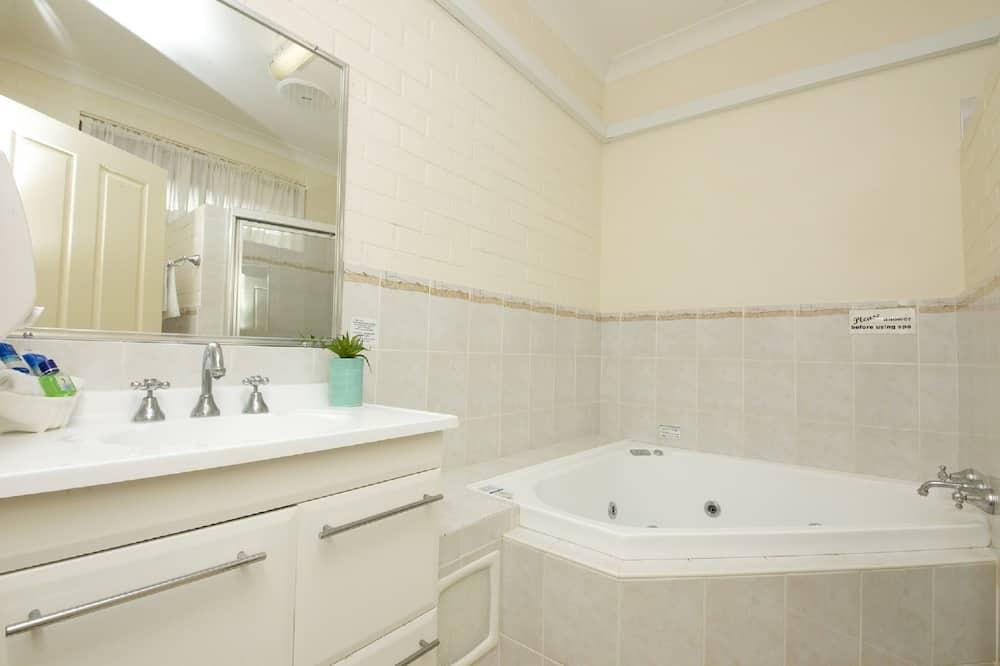 Spa Room - Bathroom