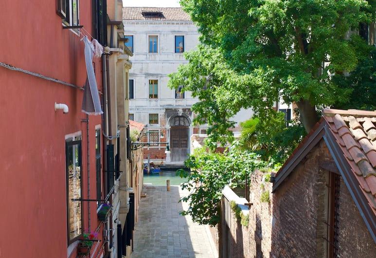 Venezia Gentile, Venetsia, Näkymä majoitusliikkeestä