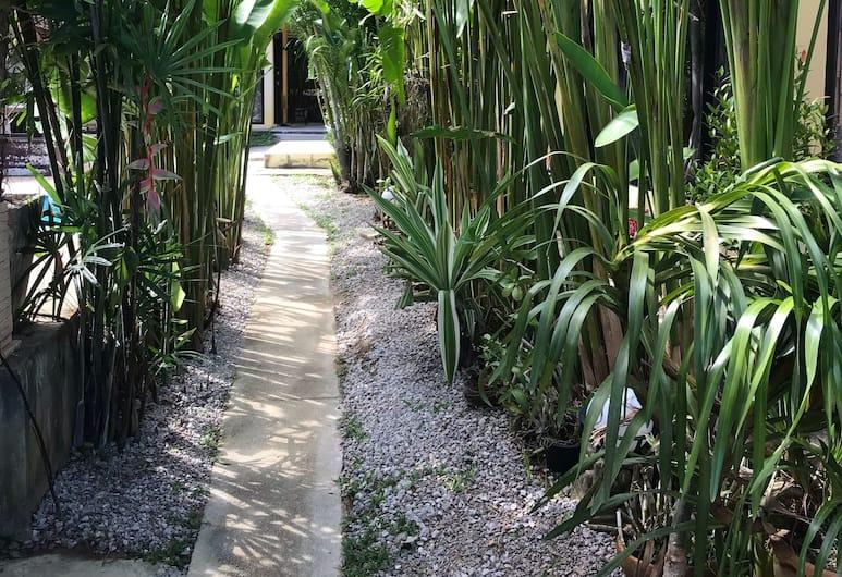 난카녹 방갈로, 코 야오, 정원