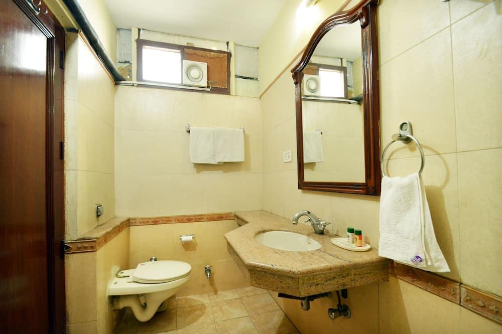 Standard dubbelrum eller tvåbäddsrum - 1 dubbelsäng - privat badrum - Badrum