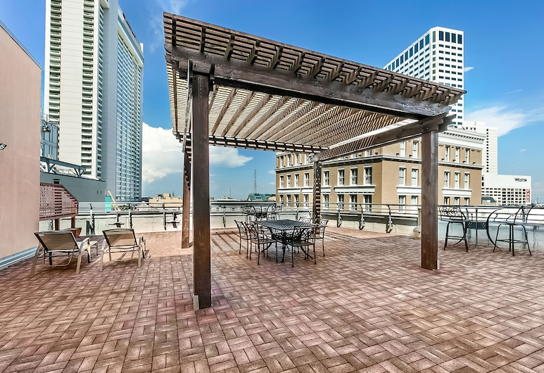 Gorgeous 1BR's in Merchant Lofts by Hosteeva, New Orleans, Terrass