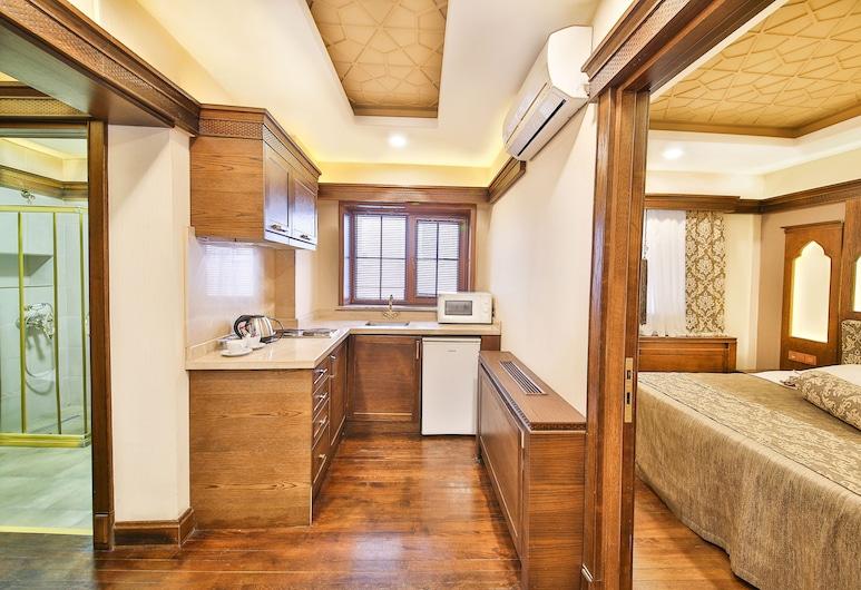 昆盧克克納克飯店, 伊斯坦堡, 舒適雙床房, 2 間臥室, 客房內廚房