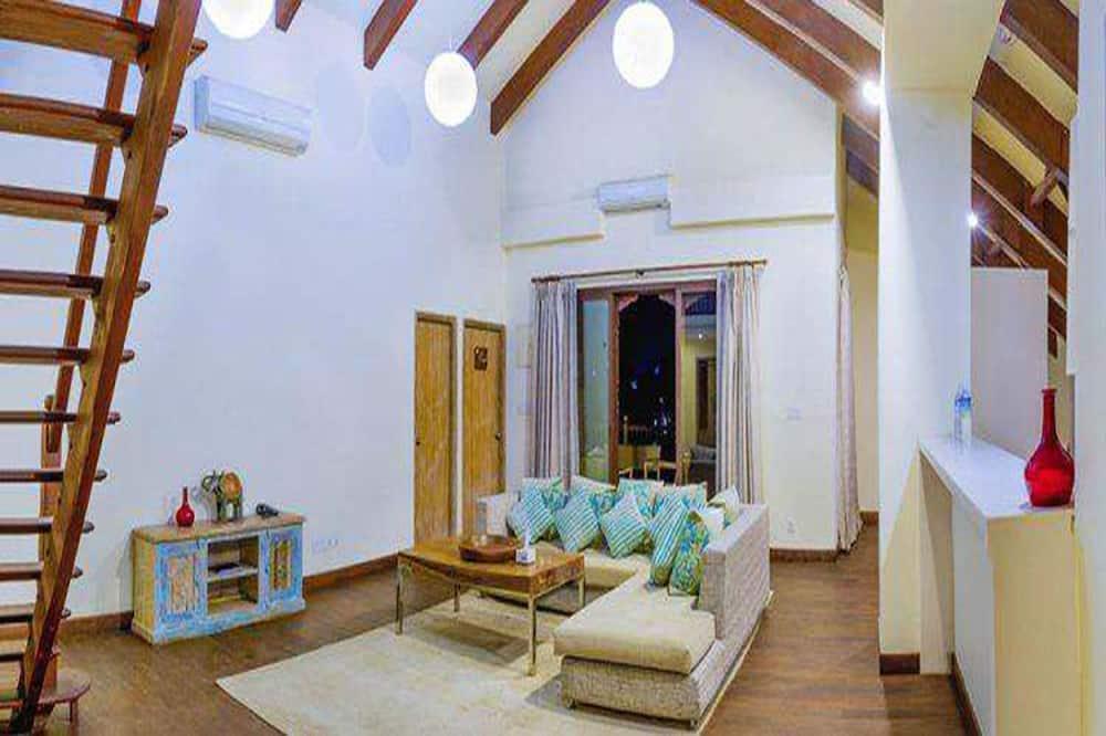 プレジデンシャル アパートメント 4 ベッドルーム 簡易キッチン ガーデンビュー - リビング エリア