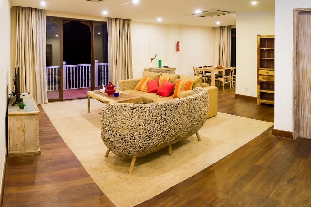 ファミリー アパートメント 2 ベッドルーム 簡易キッチン ガーデンビュー - リビング ルーム
