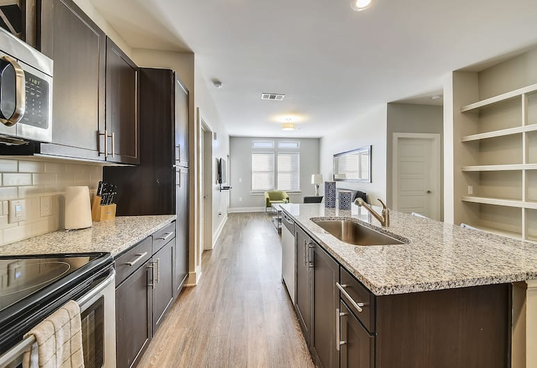 Stay Alfred at The Bowery, Savannah, Standard Apartment, 2 Bedrooms, Private kitchen
