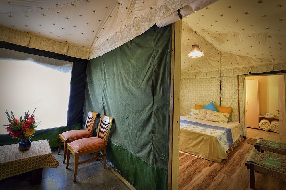 Luxe tent, uitzicht op meer - Woonkamer
