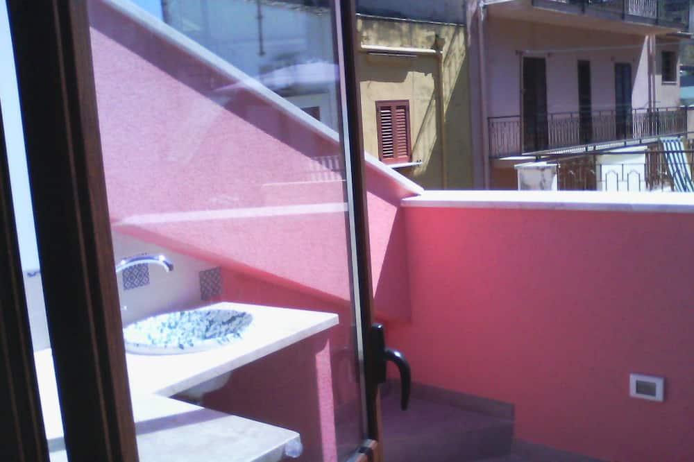 Single Room, 1 Large Single Bed, Private Bathroom - Balcony