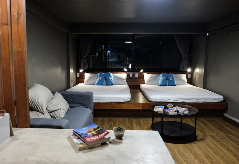 In A Box Hostel, Bangkok, Family Room with Private Bathroom, Pokoj