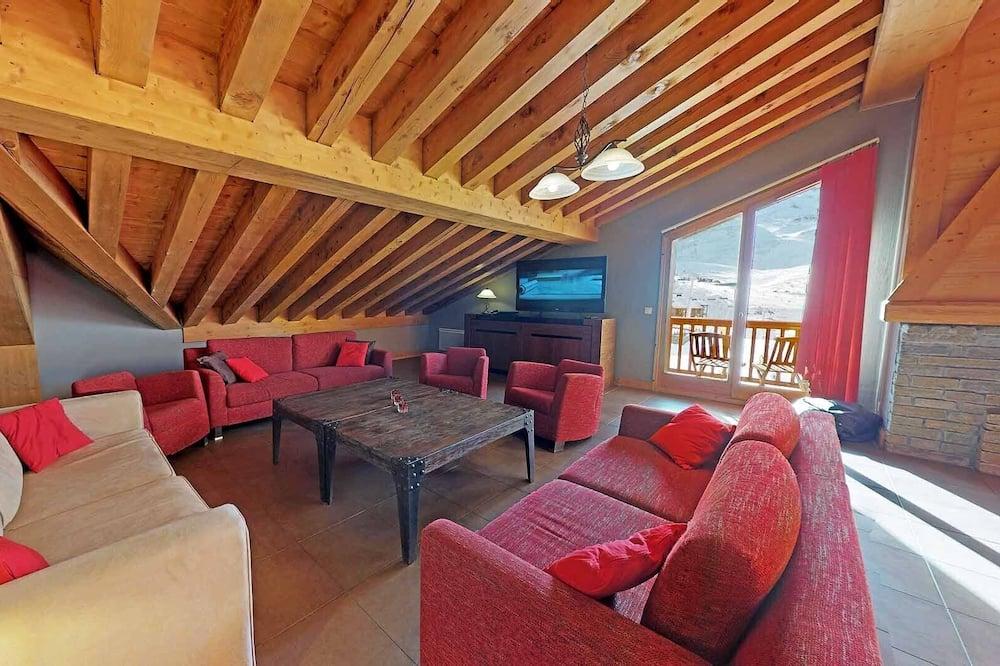 Liukso klasės apartamentai, 4 miegamieji, prie slidinėjimo trasų - Svetainės zona
