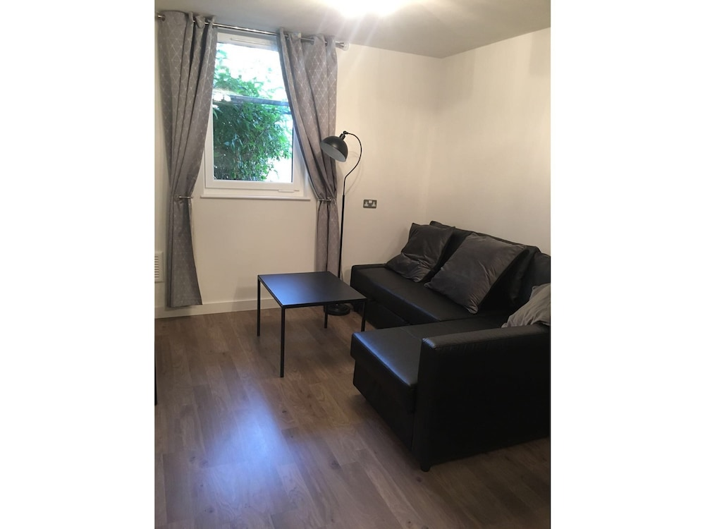 Marble Apartments Balham Hill London Living Area