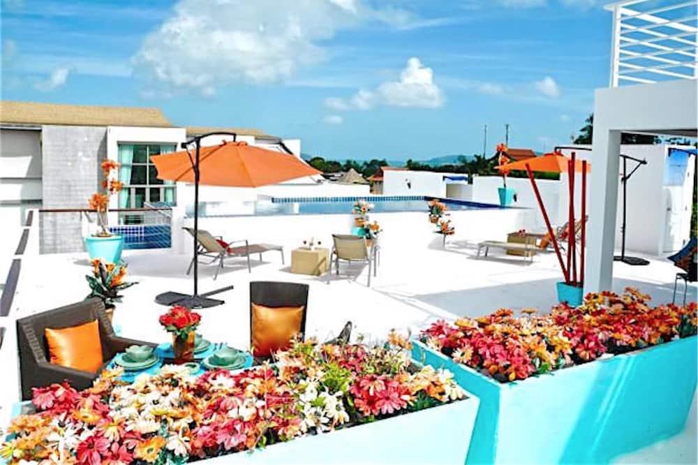 Pool auf dem Dach