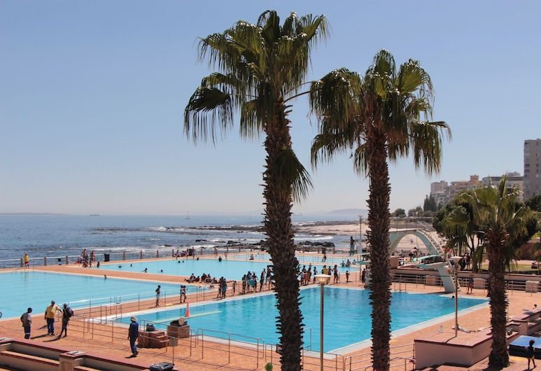 Bayflowers Guesthouse, Cape Town, Outdoor Pool