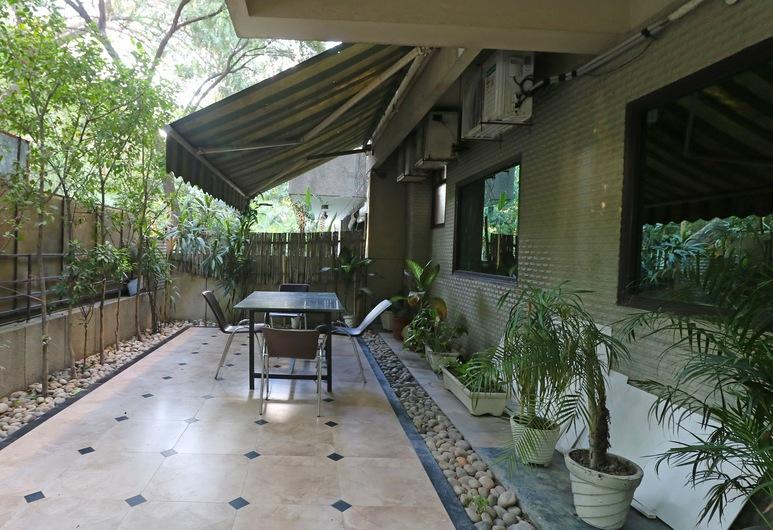 OYO 2227 Hotel Chalet, New Delhi, Terras