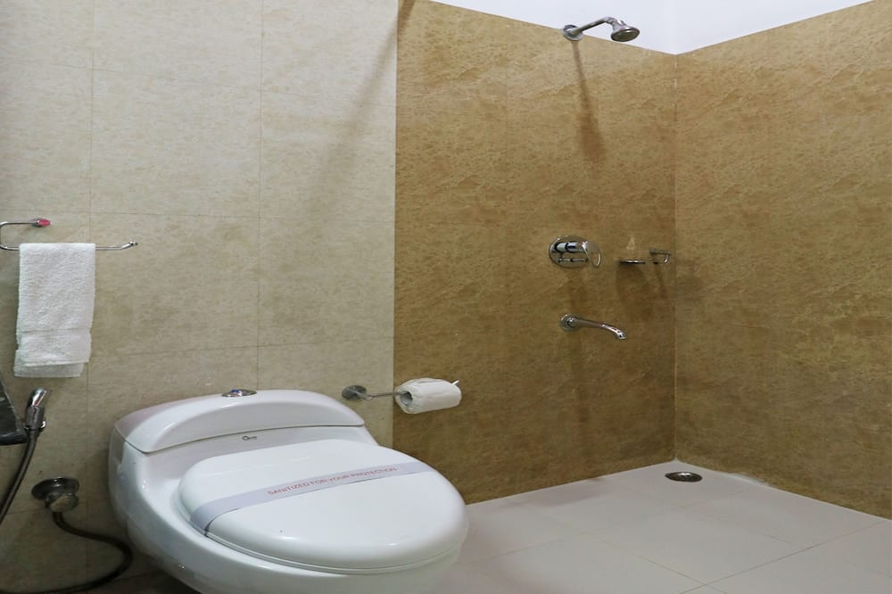 ห้องดีลักซ์ดับเบิลหรือทวิน, เตียงคิงไซส์ 1 เตียง, ห้องน้ำส่วนตัว - ห้องน้ำ