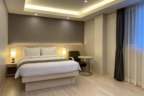 新東海飯店/