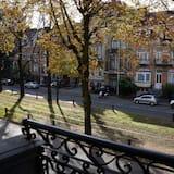 Deluxe Double Room, Balcony - Street View