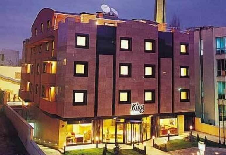 King Hotel Cankaya, Ankara, Otelin Önü - Akşam/Gece