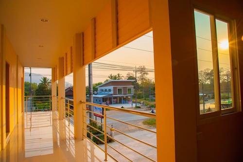 華塔納旺酒店/