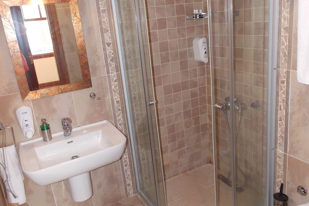 Deluxe Double Room, Sea View - Bathroom