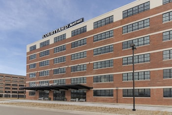 15 Closest Hotels To University Of Northern Iowa In Cedar Falls