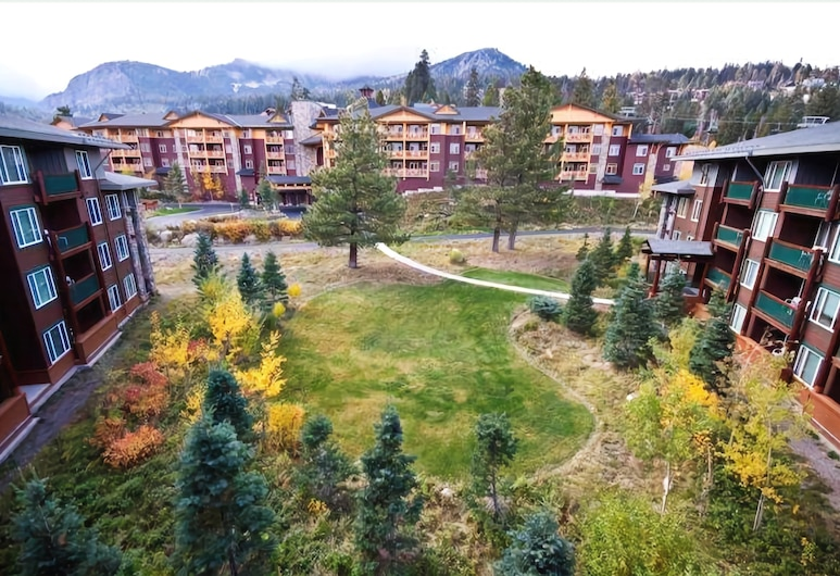 Juniper Springs Lodge 532, Mammoth Lakes, Premium Condo, 1 King Bed with Sofa bed, Mountain View, Property Grounds