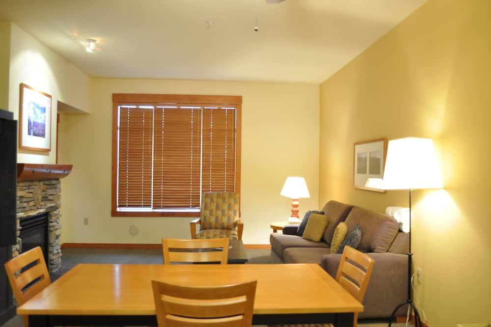 Soukromý byt, 1 ložnice (Village #2416 White Mountain Lodge) - Obývací prostor