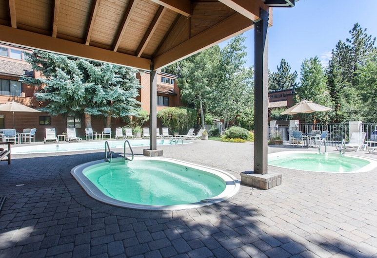 Snowflower 62, Mammoth Lakes, Townhome, 2 Bedrooms, Outdoor Pool