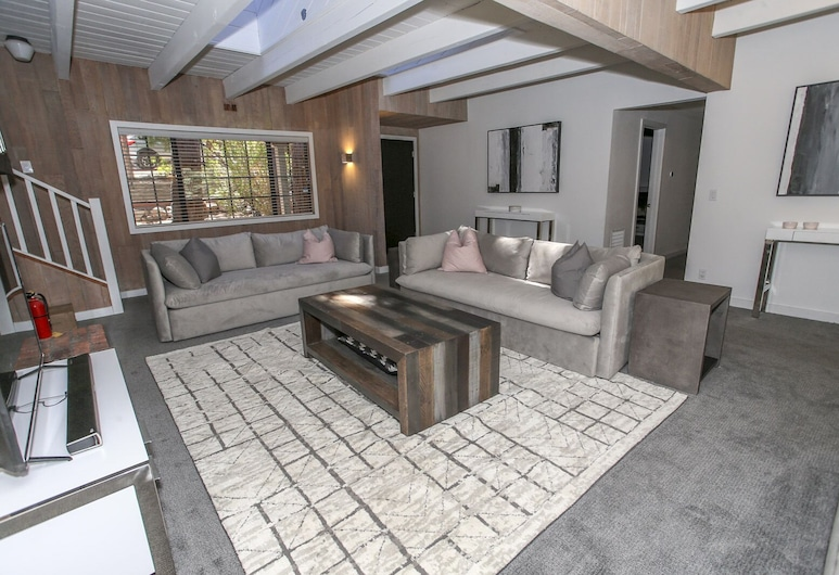 Scandinavian Dream  3 Bedroom Home, Big Bear Lake, House, 3 Bedrooms, Living Room