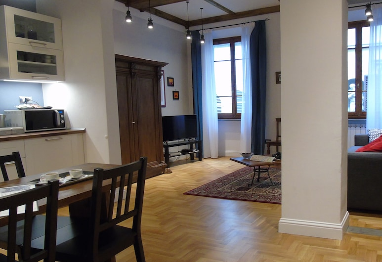 Duomo Classic Apartment, Florence, Classic Apartment, 2 Bedrooms, Living Area