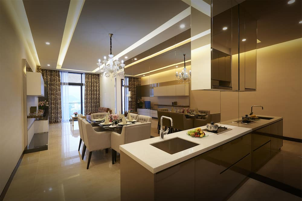 Two Bedroom Premier Suite Queen+ Single @ Residences - Житлова площа