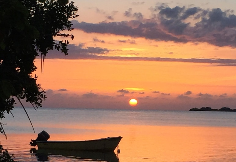 Prístino Condominio Frente al mar en Alquiler, Cabo Rojo, Playa