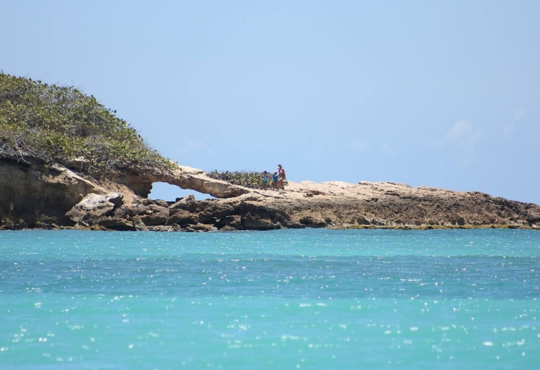 Prístino condominio frente al mar en alquiler , Cabo Rojo, Piscina
