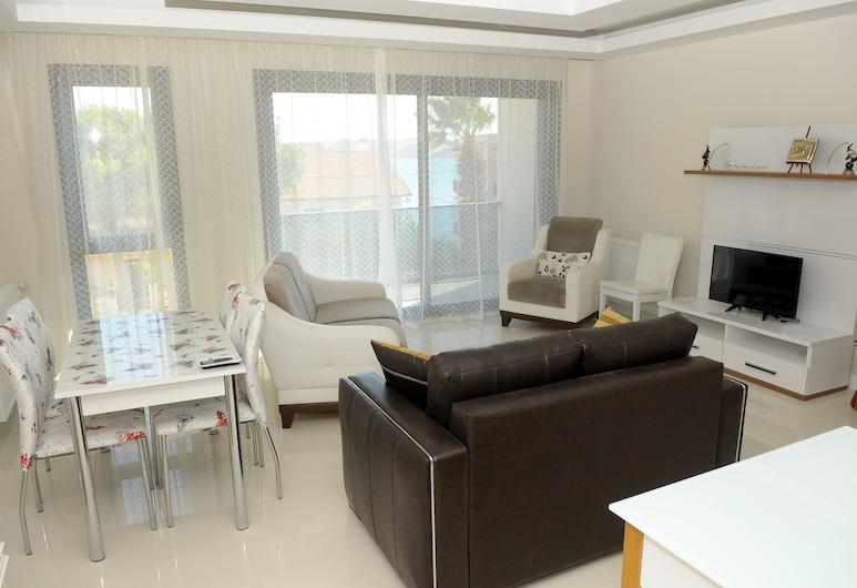 Saatli Apart Otel, Çeşme, Comfort Süit, 2 Yatak Odası, Denize Bakan, Oturma Odası