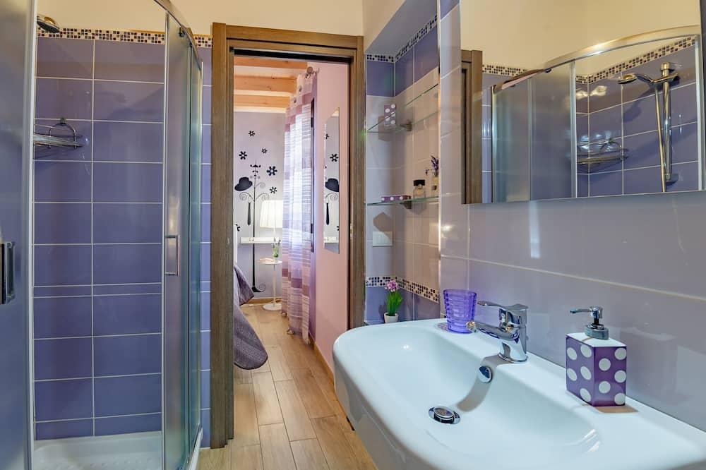 基本客房, 1 張加大雙人床, 私人浴室, 庭園 - 浴室