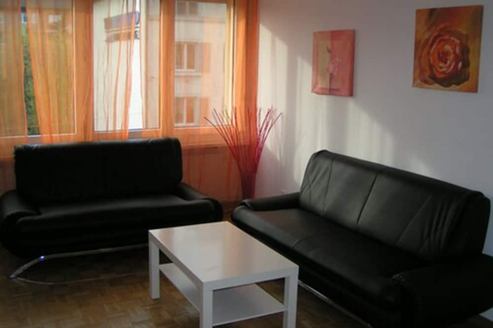 Apartment, 2 Bedrooms, Kitchenette - Living Area