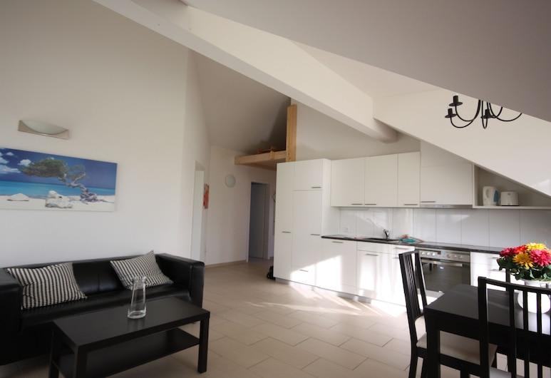 Swiss Star District 10, Zürich, Apartment, 2 Bedrooms, Kitchenette, Room