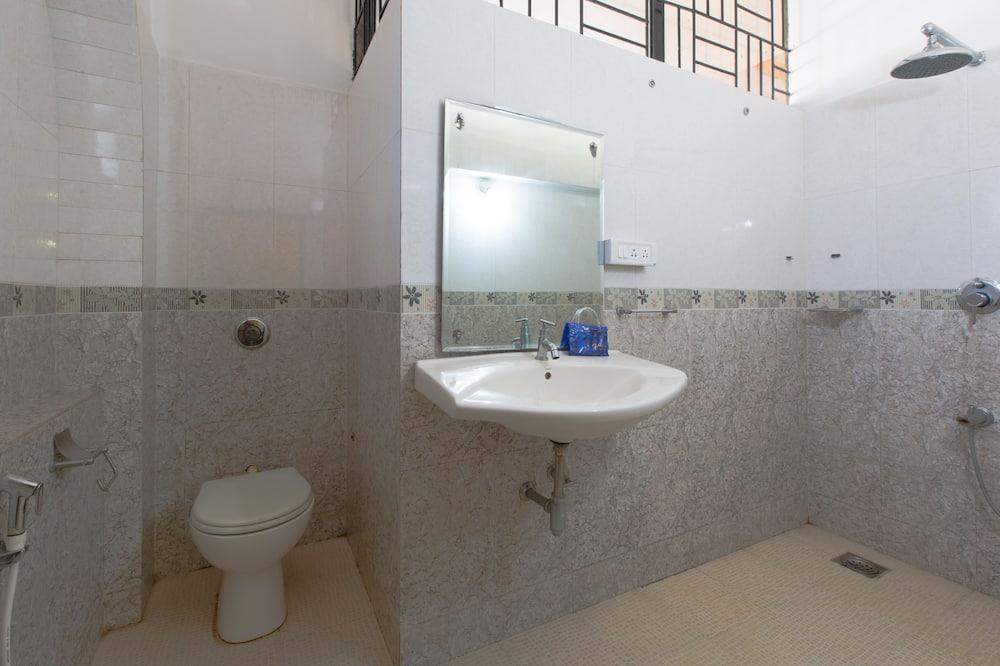 Dobbelt- eller tomannsrom – standard, 1 dobbeltseng, privat bad - Bad