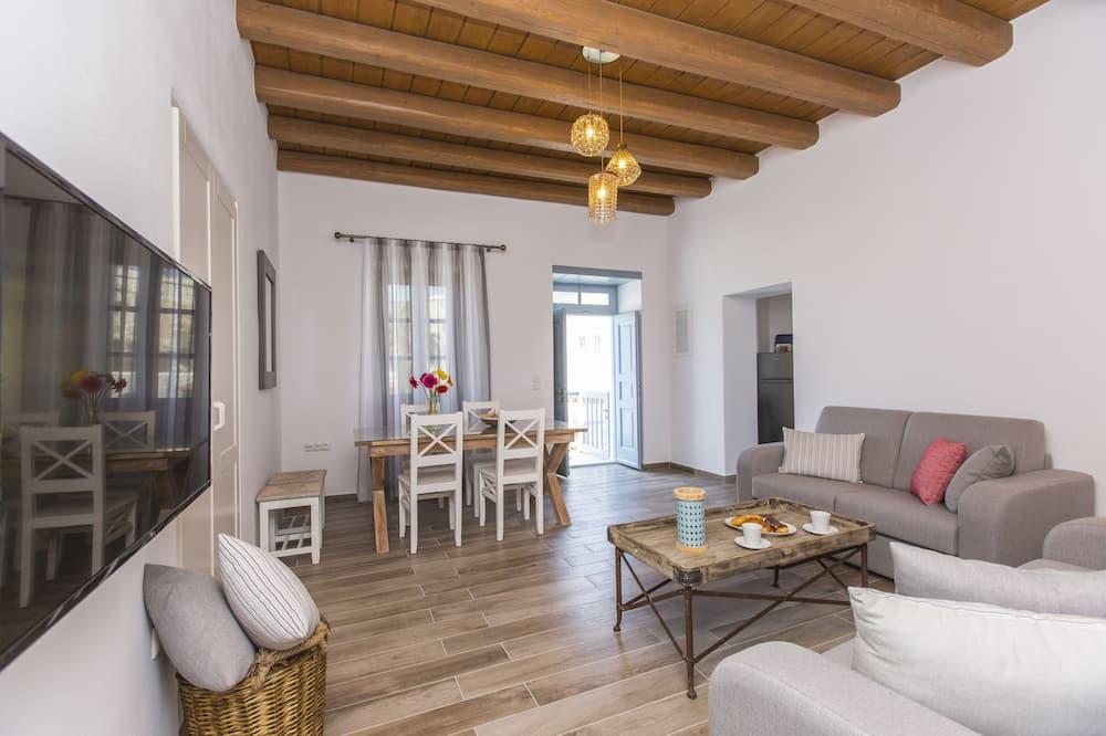 Superior Apartment, 2 Bedrooms, Sea View, Balcony - Stue